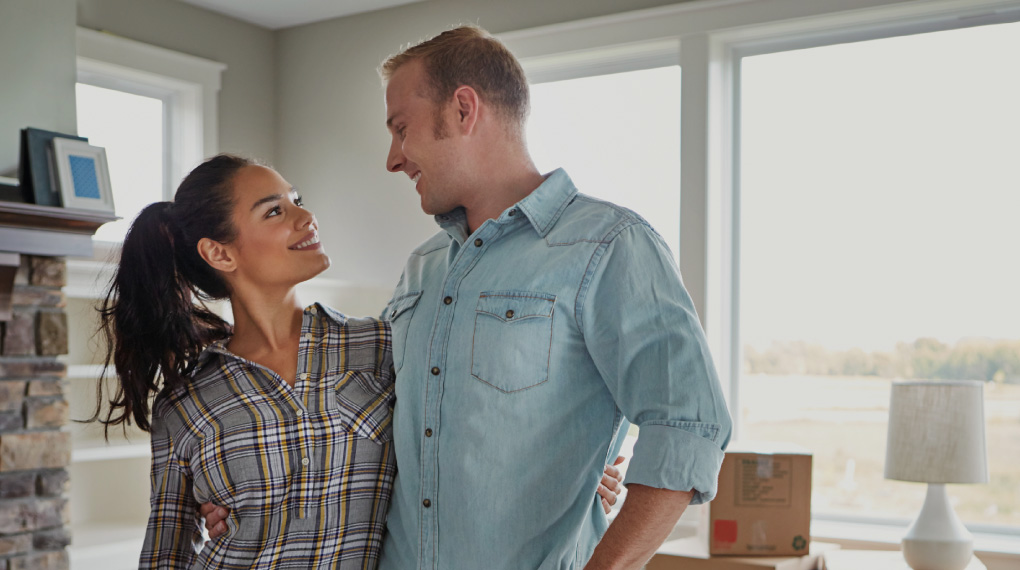 Mortgage couple image.